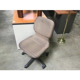 Gold/gray pattern desk chair w/o arms (4/7/2021)