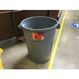 32 gal Rubbermaid trash barrel (4/26/2021)