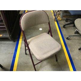 Tan cloth- maroon metal frame folding chair (4/28/21)