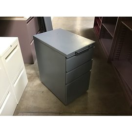 "22x15x27"" Gray 3 drawer cabinet on castors (5/12/21)"
