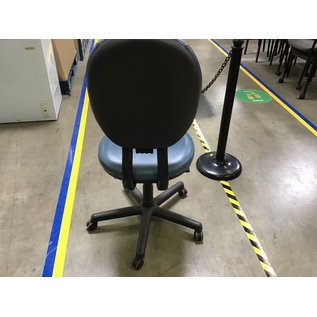 Steelcase blue leather desk chair on castors (7/7/21)