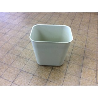 Beige plastic Trash Can (10/15/2020)