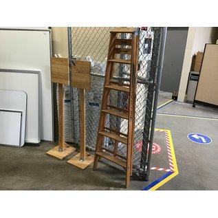 6' Wood step ladder (8/25/21)
