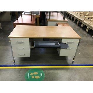 30x60 Dbl pedestal Steelcase desk w/pullout keyboard tray (8/31/21)