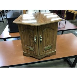 "20x20x20"" wood rectangles floor stand (9/28/21)"
