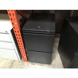 "14 1/2x19 1/4x27 1/2"" Black metal 2 drawer vertical file cabinet 10/19/21"