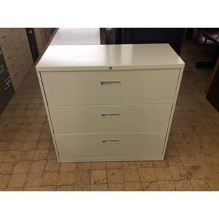 42x18x42 Beige 3 drawer lateral file cabinet 2/19/19