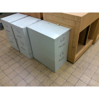 25x15x29 Beige 2 drawer file cabinet (8/13/18)