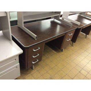 30x60x29 Brown Steelcase dbl ped desk (10/06/20)