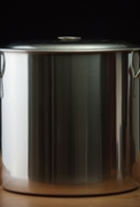 bsg Height10″<br /> Diameter12½″<br /> Thickness½ mm<br /> A sturdy, basic brewing kettle made of stainless steel, with two handles and a stainless steel lid. The 20 qt (5 gal) capacity is suitable for boiling up to 4 gallons of wort. The kettle body has no holes, but they