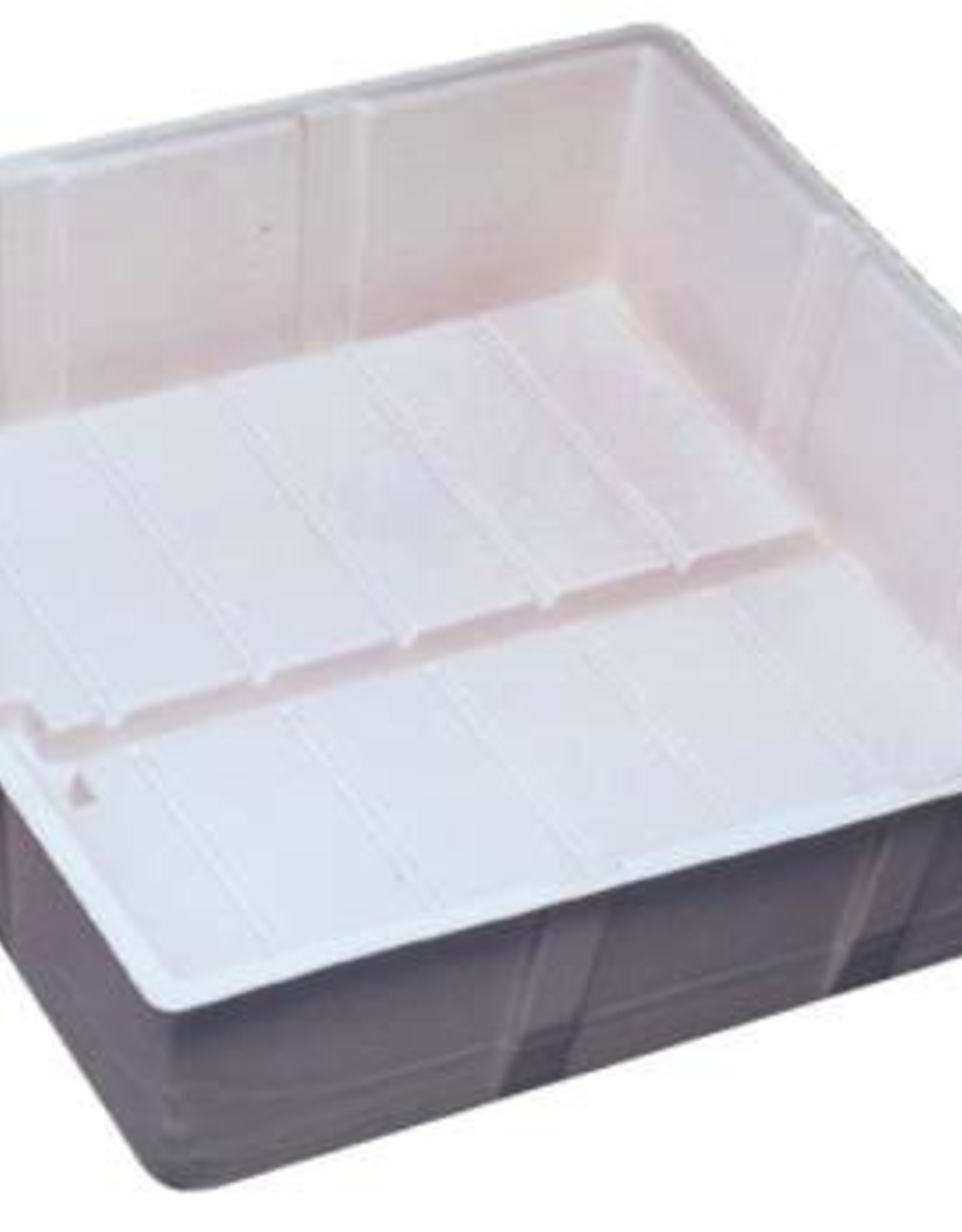 BOTANICARE Botanicare propagation trays are unrivaled in their variety of sizes to suit almost any application. The trays are ideal for use with clay grow rock, rockwool or pots filled with a soilless grow substrate. We manufacture our hydroponics trays from thick,