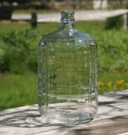 LD CARLSON Glass carboys are airtight, easily sanitized and do not hold an odor.