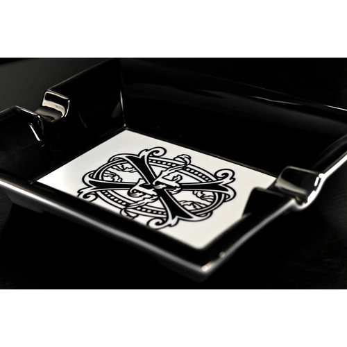 Prometheus Accessories FFOX - Ashtray - Black and White