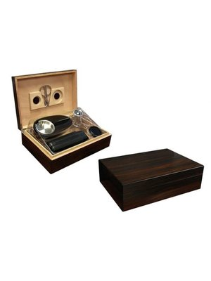 Prestige Imports Davenport - Humidor Gift Set - Holds 50 cigars