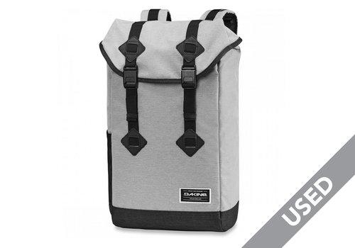 Dakine Plate Lunch Trek II 26L Backpack Grey/Black USED