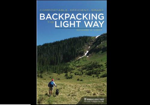 Menasha Ridge Press Backpacking The Light Way - Richard Light
