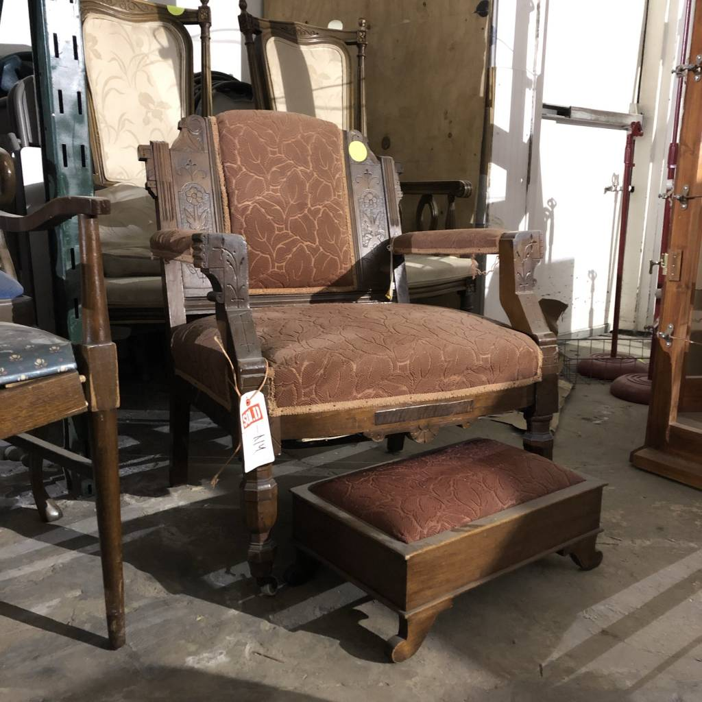 Vintage Gregorian Chair with Foot Rest #YEL