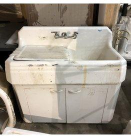 Farm Sink w/ Metal Base