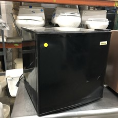 Black Magic Chef Mini Fridge