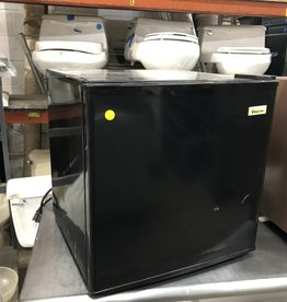 Black Magic Chef Mini Fridge
