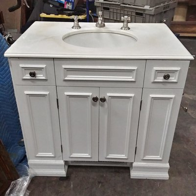Custom White Royale' Vanity