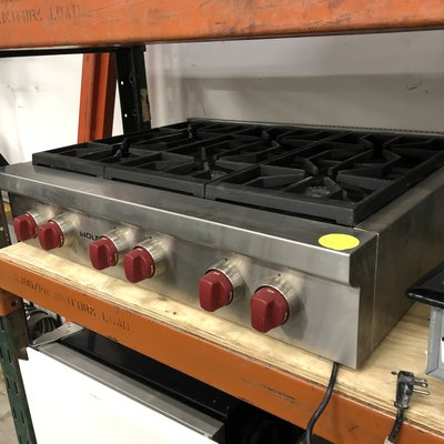 Wolf 6 Burner Gas Cooktop