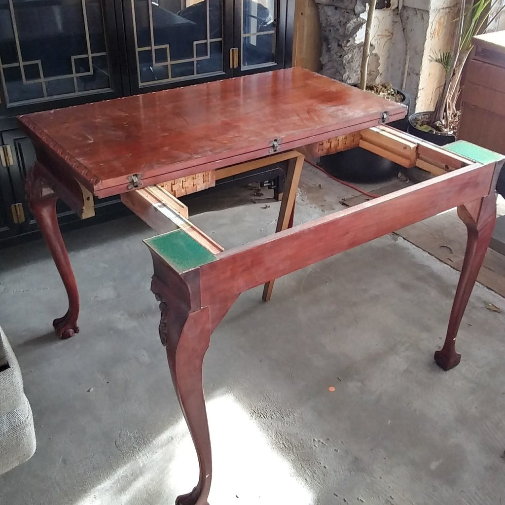 Cherry Clawfoot Extendable Table