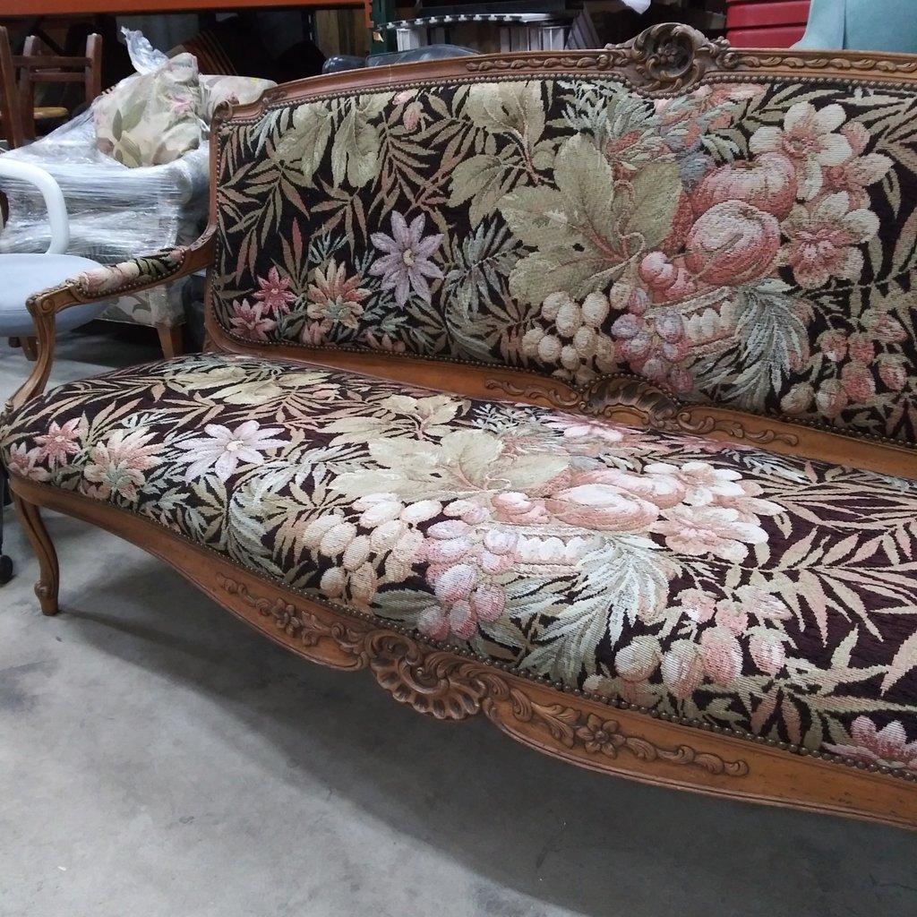 Vintage Victorian Sofa#YEL