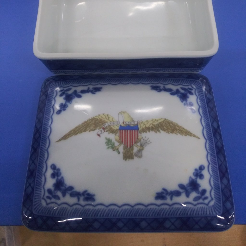 Porcelain Mottahedeh Diplomatic Eagle Box