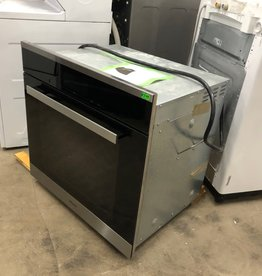 Miele Wall Convection Oven (Needs New Motherboards)