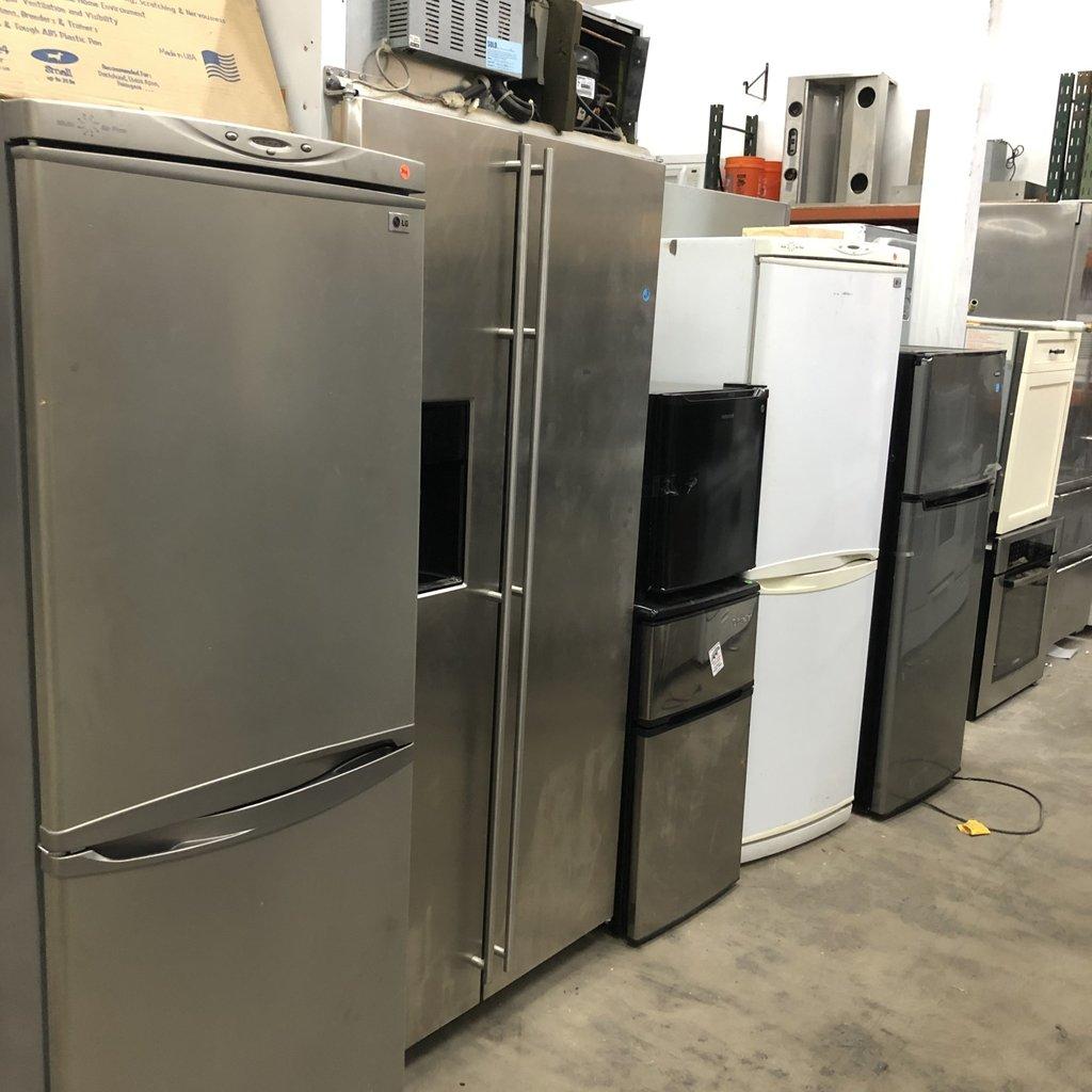 Sub-Zero Refrigerator/Freezer