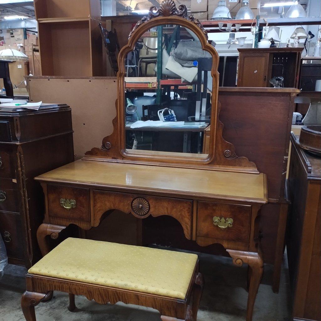 Berkey And Gay Mirror Vanity Set