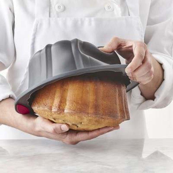 Moule à gâteau cannelé corail 10 tasses de Trudeau