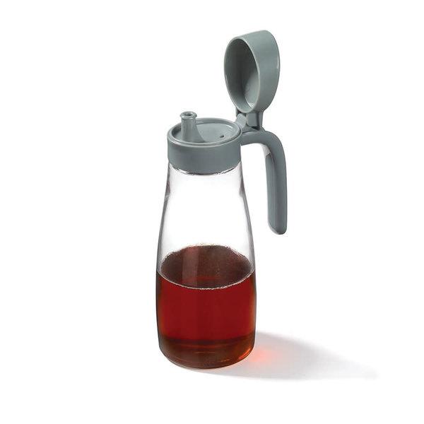 Ricardo 20-oz Bottle with Pour Spout