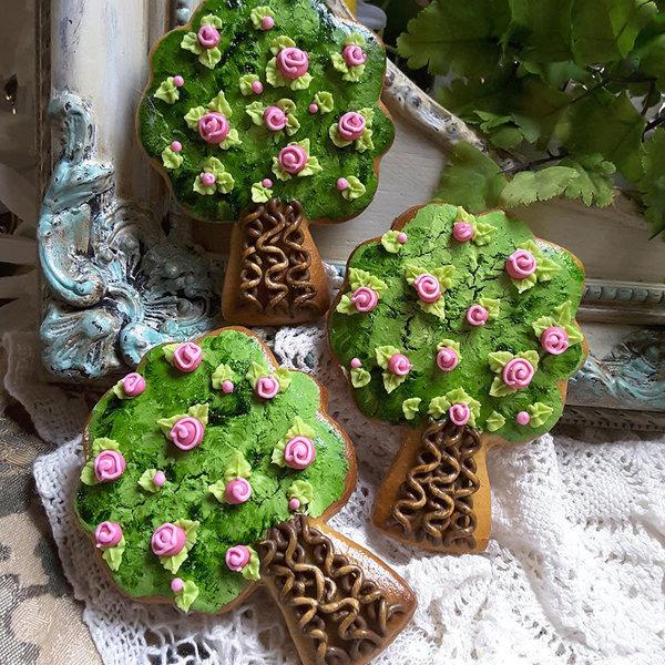"Ann Clark Apple Tree Cookie Cutter 3 5/8"""