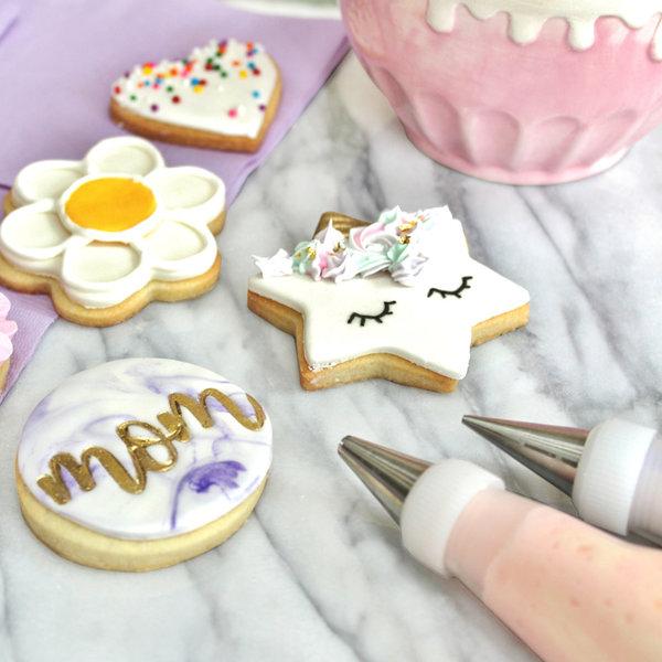 Ensemble de décoration de biscuits de 12 pièces de Danesco