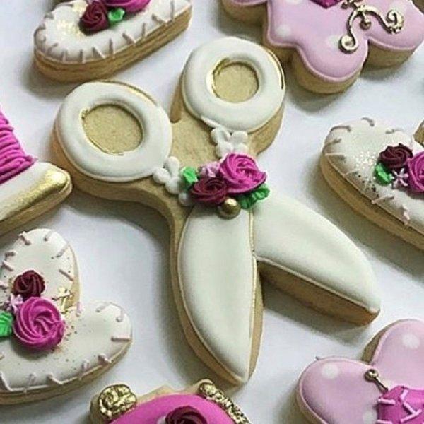 Ann Clark Cookie Cutter Scissors 2.5''