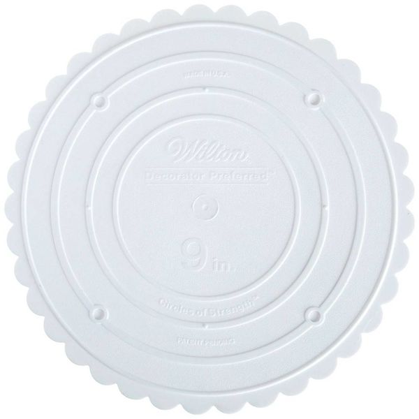 "Wilton Decorator Preferred 9"" Scalloped Separator Plate"