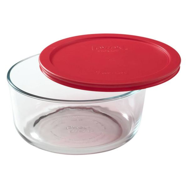 """Plat rond 7-tasses """"Simply Store"""" avec son couvercle rouge de Pyrex"""