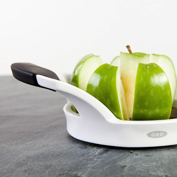 Coupe-pomme blanc de Oxo