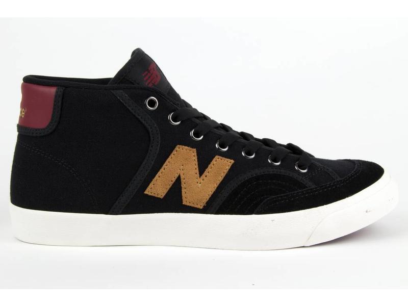 New Balance NM213 Shoe