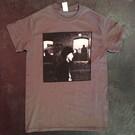 """Keychains & Snowstorms T-Shirt Company Siekiera - """"Jest Bezpiecznie"""" T-Shirt Medium"""