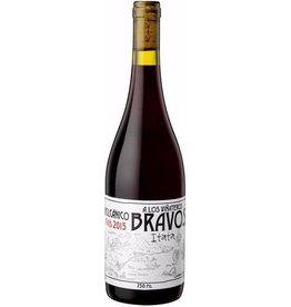 "South American Wine Leonardo Erazo ""A Los Viñateros Bravos Volcanico"" Pais Itata Chile 2015 750ml"