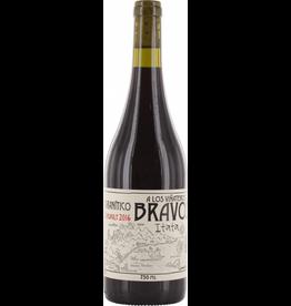 """South American Wine Leonardo Erazo """"A Lod Viñateros Granitico"""" Pais Itata Chile 2016 750ml"""