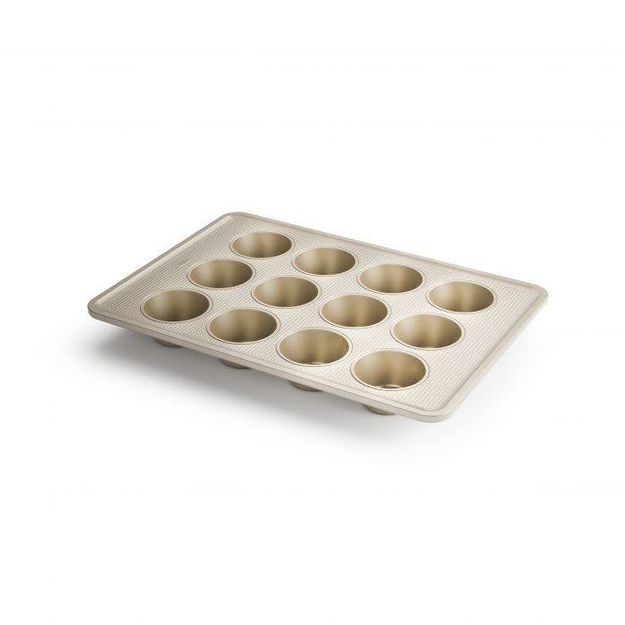 Oxo 12-cup muffin pan (Shoptiques)