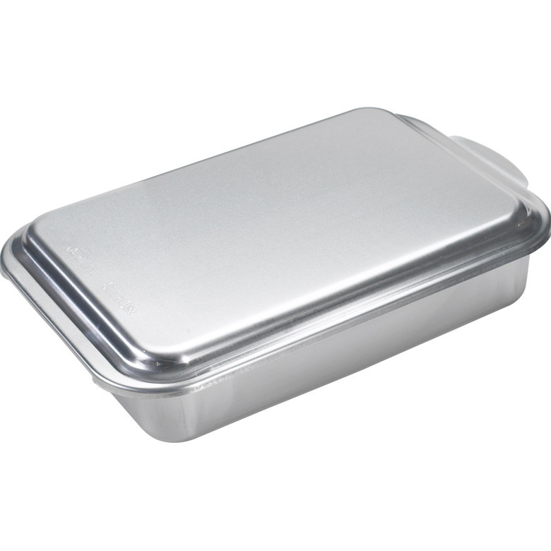 Nordic Ware 9x13 ClassicCovered Cake Pan