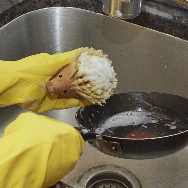 Kikkerland Hedgehog Dish Scrubber