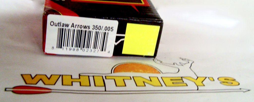 Pack de 6 AIGLE NOIR tir à l/'arc Outlaw jaune Crested fletched flèches 300//.005