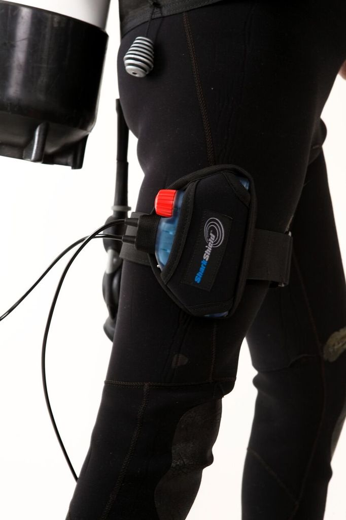 Shark Shield Shark Shield SCUBA7 - SCUBA Diving Shark Deterent System