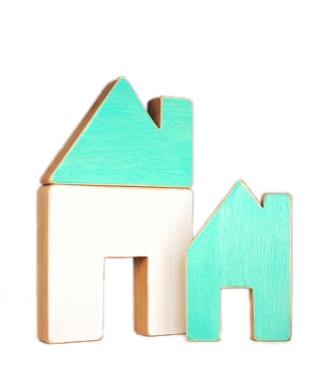 Atelier Saint-Cerf Maison en Bois Recyclé d'Atelier Saint-Cerf/ Wooden House-Blanc et Turquoise